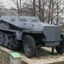 Nemecký pechotný voz Sd. Kfz. 250. Útočný a podporný prostriedok nacistickej pechoty. Zasahoval na všetkých úsekoch povstaleckého frontu.